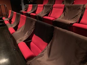 座席カバー型タブレットホルダー